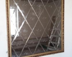 Зеркальное панно в раме на стену