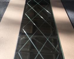 Черное зеркало с гравировкой
